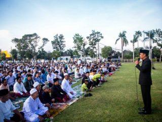 Suasana Sholat Iedul Fitri 1440 Hijriah di Lapangan desa Tibubeneng
